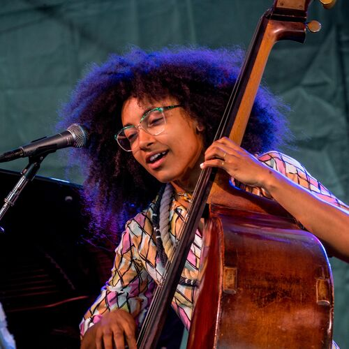 Esperanza Spalding – Slušaj na Deezer-u   Striming muzike