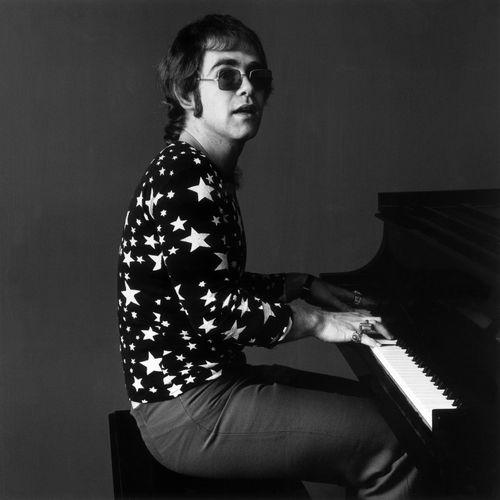 Elton John: albums, songs, playlists | Listen on Deezer